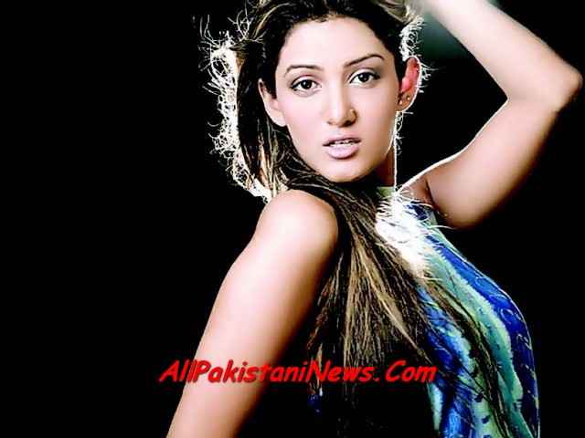 Pakistani Sexiest Model Mathira Wallpapers