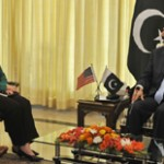 Prime Minister Gilani asks Clinton to give peace a chance