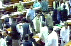 Fight Between PML-N - MQM