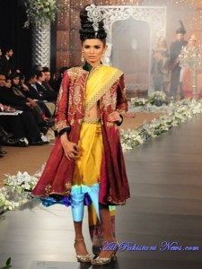 Pakistani-Bridal-Fashion-Week-(AllPakistaniNews.Com)-13