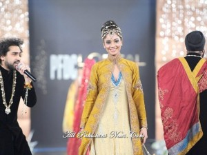 Pakistani-Bridal-Fashion-Week-(AllPakistaniNews.Com)-41