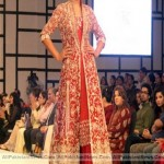 Pakistan-Fashion-Week-2012-(AllPakistaniNews.Com)-32