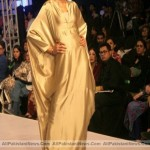 Pakistan-Fashion-Week-2012-(AllPakistaniNews.Com)-34