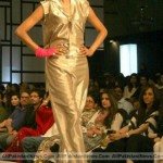 Pakistan-Fashion-Week-2012-(AllPakistaniNews.Com)-38