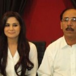 Veena Malik and Her Father Both Join Imran Khan Tehrik-e-Insaf (PTI)