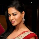 Veena Malik Signs South Remake of (The Dirty Picture)