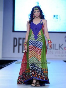 Pakistan-Sexiest-Models-PFDC-Fashion-Week-2012-(AllPakistaniNews.Com)-27