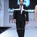 Pakistan-Sexiest-Models-PFDC-Fashion-Week-2012-(AllPakistaniNews.Com)-6