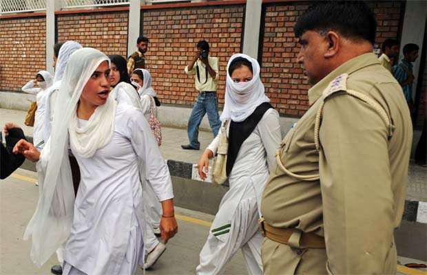 srinagar single muslim girls Many bakarwals speeded up their annual migration out of jammu region because of rape, murder of eight-year-old girl photo: afp the muslim nomads who lead their goats, cows and horses up and down the occupied kashmir hills have never felt at ease in the region and the gruesome rape and murder of a .