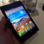 Smartphones and Tablets Meet in Phablet Mania