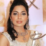 Meera Wants to Compete with Priyanka Chopra