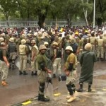 Army Stops Protestors as Mob Enters Pak Secretariat